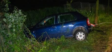 Auto in de berm in Roosendaal aangetroffen, bestuurder nergens te bekennen