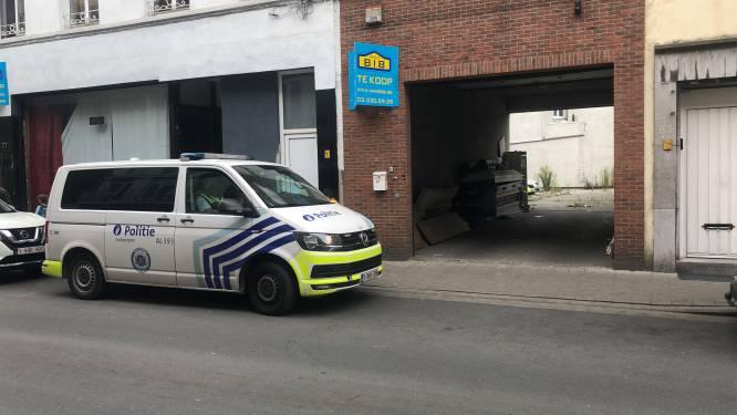 Politie arresteert verdachte (46) na achtervolging over de daken