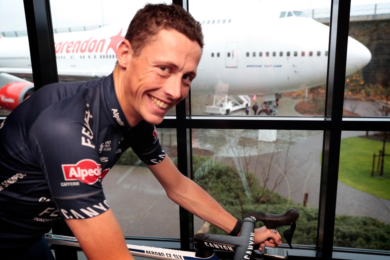 Oscar Riesebeek bij de teampresentatie van Alpecin-Fenix.