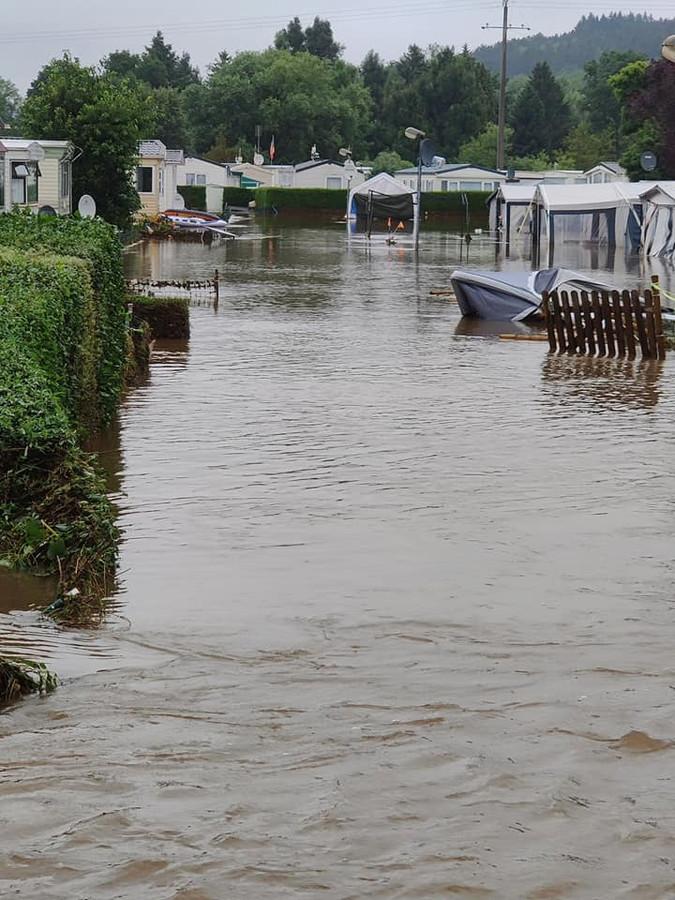 De camping liep helemaal onder water.