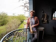 Monic woont in het Arnhemse uiterwaardengebied: 'Laatst zagen we ook een reetje door Meinerswijk huppelen'