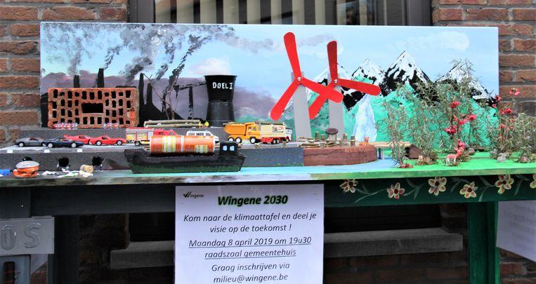 De klimaattafel van kunstkring Wenghina is de komende twee weken te bewonderen aan het gemeentehuis van Wingene.