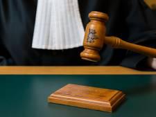 Cel voor Heerlenaar die met half miljoen euro verstopt in bestelbusje werd gepakt in Roermond