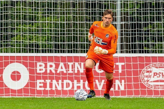 Nigel Bertrams in actie in de voorbereiding van FC Eindhoven