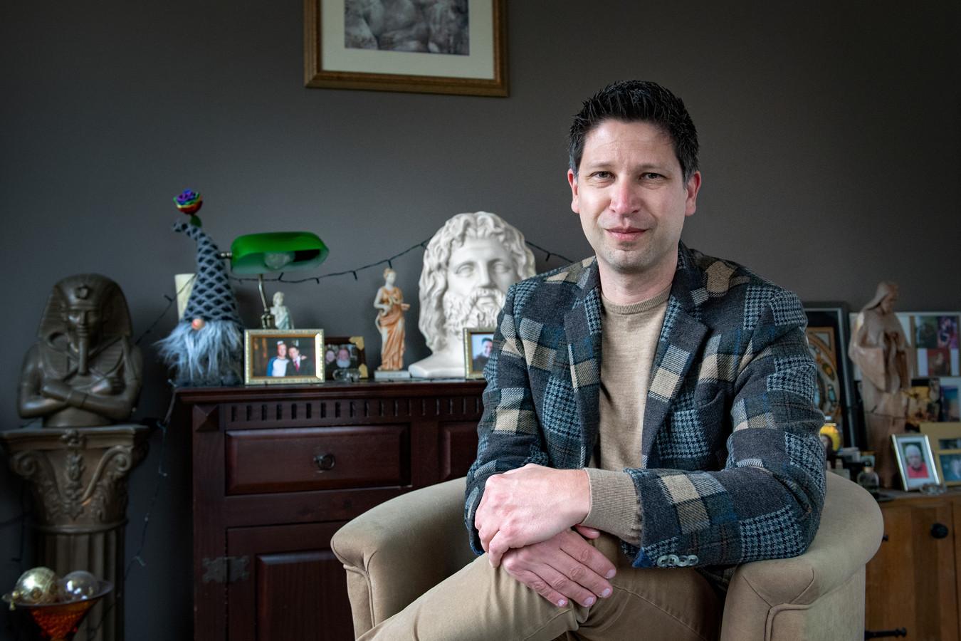 Mark Beumer deed aangifte van haatzaaien en discriminatie tegen scholengemeenschap Gomarus in Gorinchem.