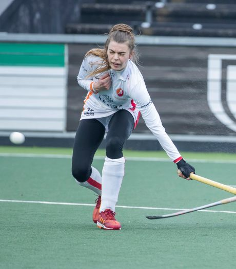 Hockeysters Oranje-Rood verliezen opnieuw, maar nu met opgeheven hoofd bij koploper Amsterdam