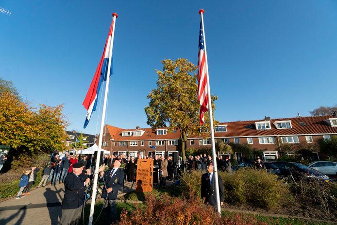 De inslag in het Nijmeegse Sportfondsenbad op 10 november 1944 kostte aan drie mensen het leven. 75 jaar later is dit herdacht.