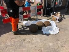 Drie grote, ronde 'kogels' gevonden bij werkzaamheden Vianen: 'Kanonskogels?'