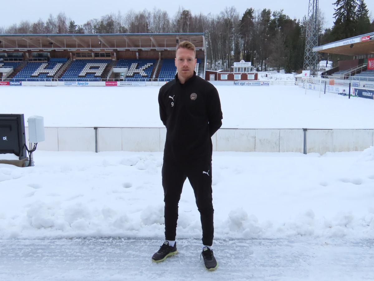 Youri Loen in de Finse sneeuw bij zijn nieuwe club FC Haka.