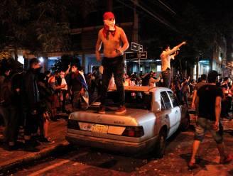 Geen medicijnen noch vaccins: gewelddadig coronaprotest leidt tot ontslag ministers in Paraguay