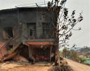 Het huis van de buren van Erik Roosenboom brandde geheel uit, zijn eigen woning ontsnapte aan de vuurzee in Karavca in Turkije