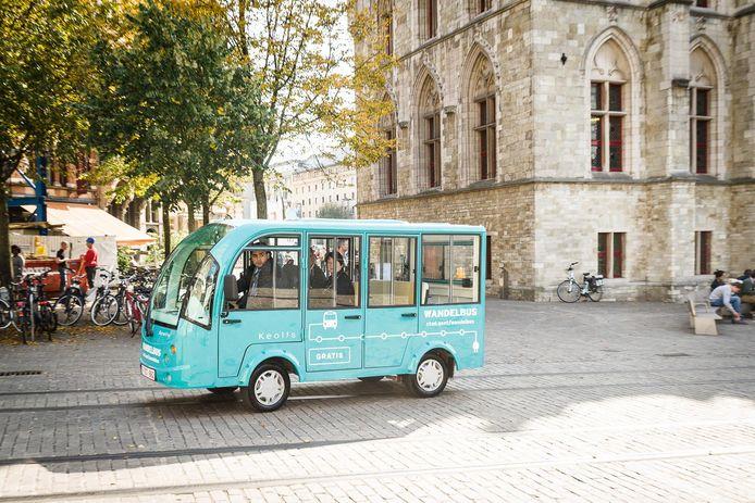 Al een vertrouwd gezicht in Gent: de gratis elektrische wandelbus.