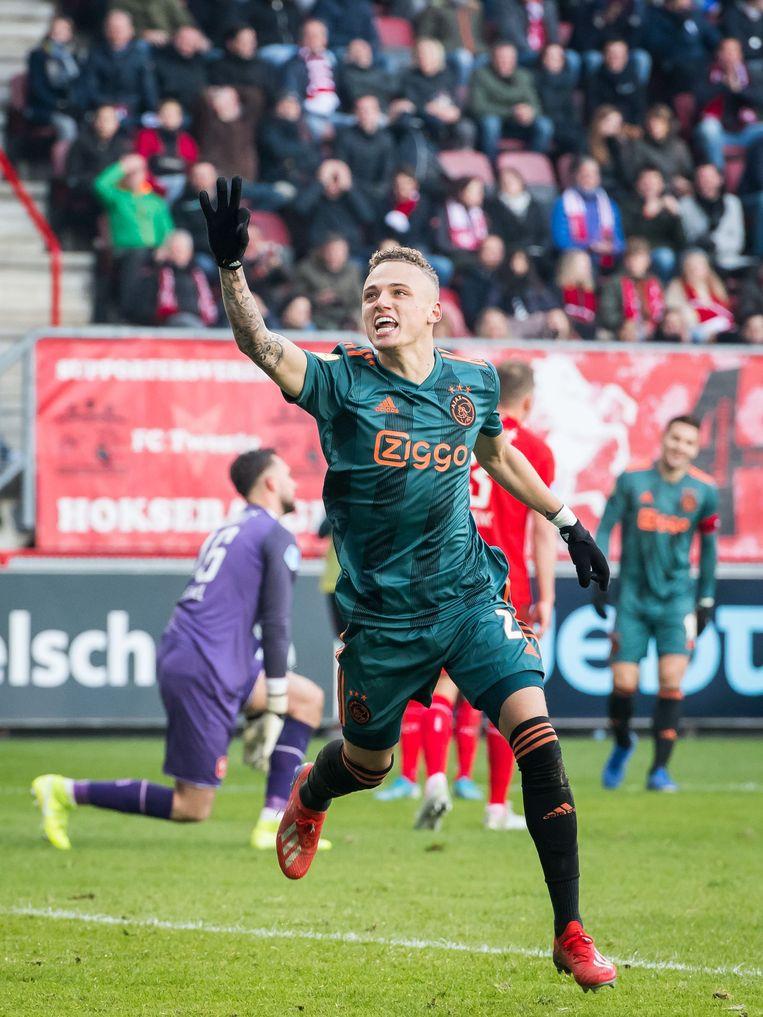 Noa Lang na zijn derde doelpunt voor Ajax tegen FC Twente.  Beeld ANP Sport