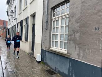 1.800 lopers wagen zich aan speciale editie van Dwars door Brugge