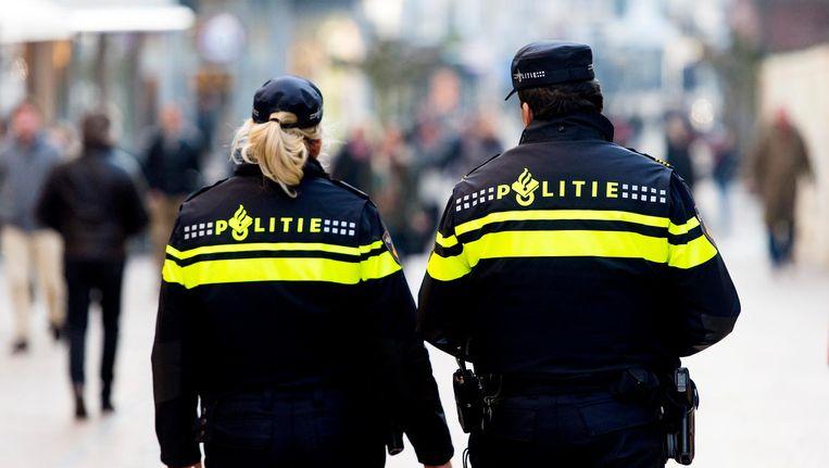 26 politiemedewerkers deelden hun persoonlijke ervaringen in het boek. Beeld ANP