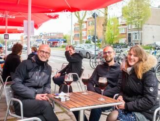 """Volzet terras bij Café Manger in Mortsel: """"Dat geroezemoes heb ik gemist"""""""