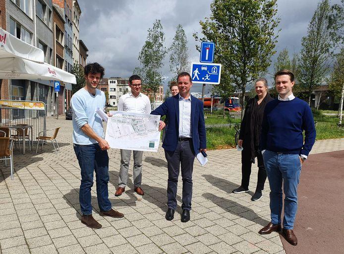 Het Damcomité en projectontwikkelaar Triple Living met het vernieuwde akkoord voor de ontwikkeling van de Slachthuissite in 2020.