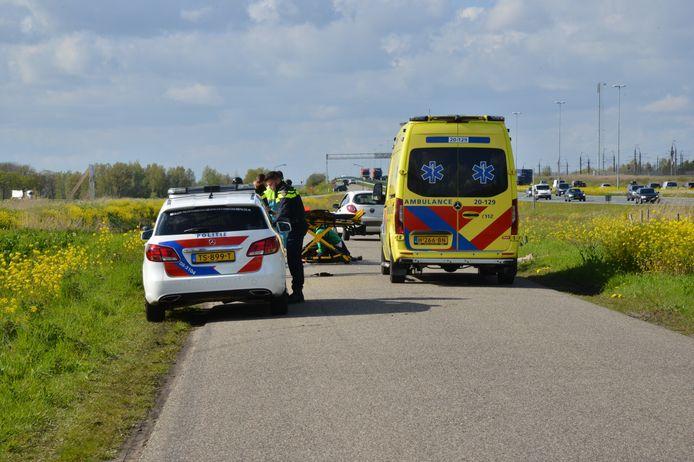Hulpdiensten op de Nieuweveerweg.