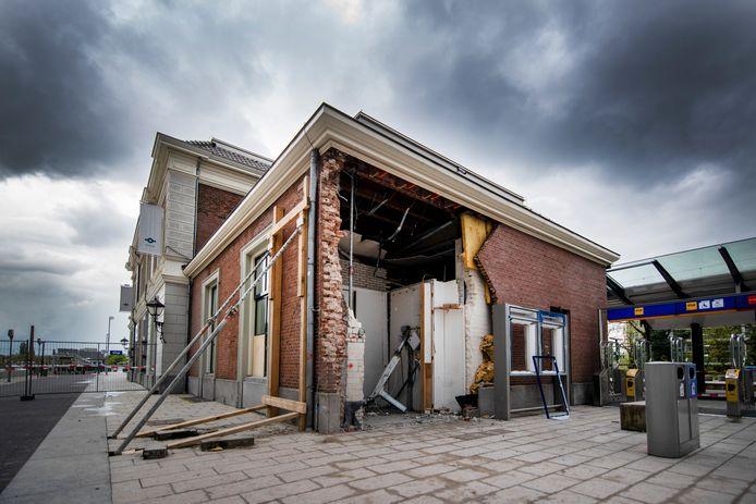 De plofkraak bij het station in Apeldoorn.
