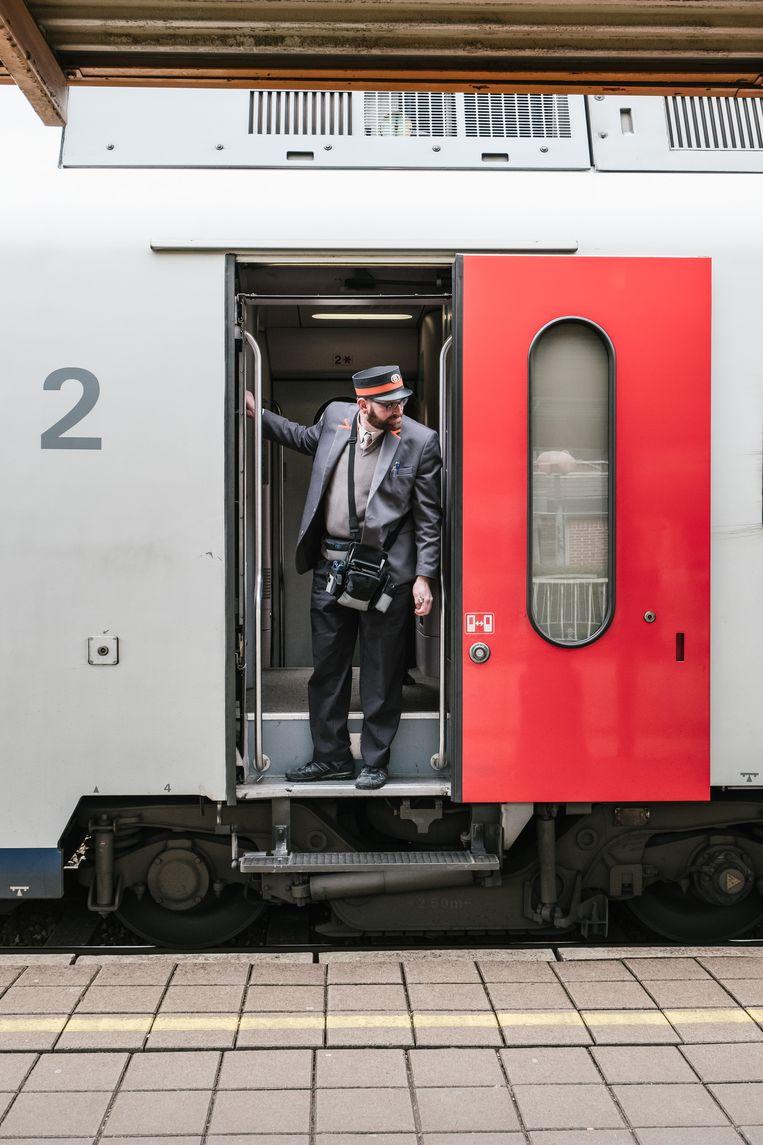 Wat gebeurt er met de treinbegeleiders en -bestuurders? Het is een van de grootste struikelblokken in het dossier van de zware beroepen. Beeld Wouter Van Vooren