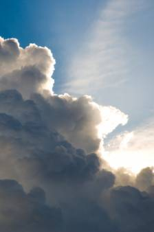 Un dimanche chaud et ensoleillé... mais un risque de tempête ce soir dans plusieurs provinces