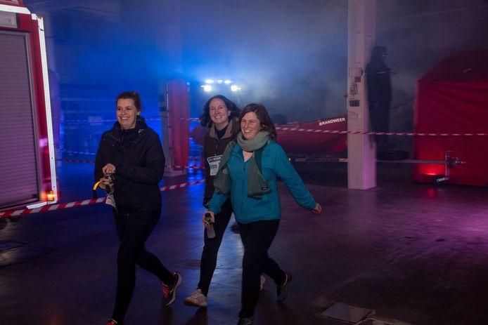 Doortocht in de brandweerkazerne op de City Night Run Wetteren.
