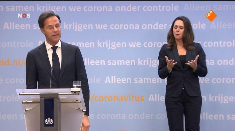 Mark Rutte tijdens de Geen Versoepelingen-persconferentie Beeld NOS
