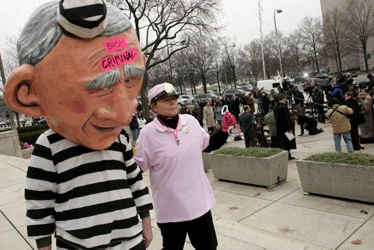 Volgens VN-rapporteur Nowak is de nieuwe Amerikaanse regering-Obama verplicht aangifte te doen, omdat de Verenigde Staten de VN-conventie tegen marteling hebben geratificeerd. Foto EPA/Shawn Thew Beeld