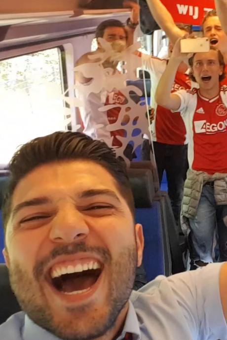 Conducteur zorgt voor Ajax-feestje in de trein