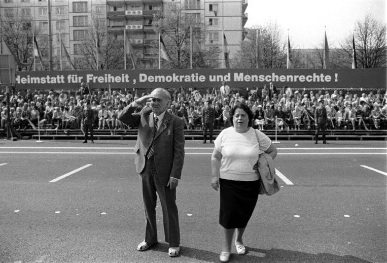 Mei 1988. 1 meiviering op de Karl-Marx-Allee in Berlijn. Berndt Marmulla: