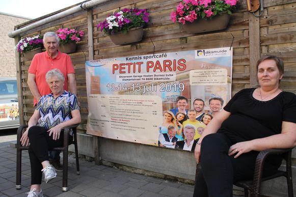 links Freddy Du Moulin en Claudine Wieme en rechts Marianne Muylle deze drie vormen de Sportvrienden Petit Paris.