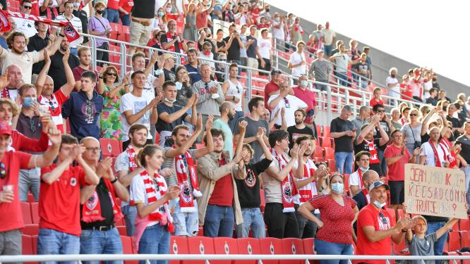 OEFENMATCHEN JPL. Antwerp komt niet tot scoren in galamatch tegen Monaco - Standard geeft 3-0 voorsprong uit handen tegen Rennes -
