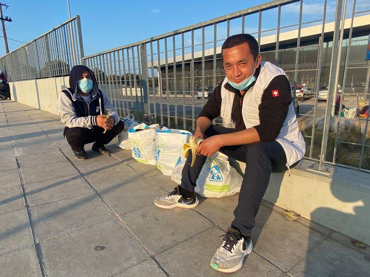Afghanen Jafari Sangali (24) en Sayed Habib (34) Beeld Thijs Kettenis