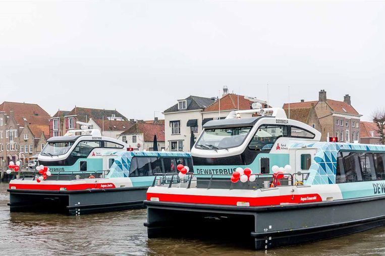 De twee nieuwe vaartuigen worden vanaf dinsdag 2 januari ingezet op de Schelde.
