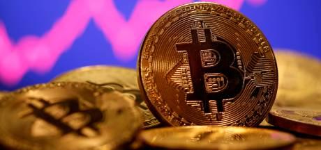 Le bitcoin dépasse les 50.000 dollars