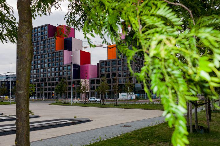 De eerste nieuwbouwwoningen tegenover het AMC in Bijlmer-West. Beeld Renate Beense