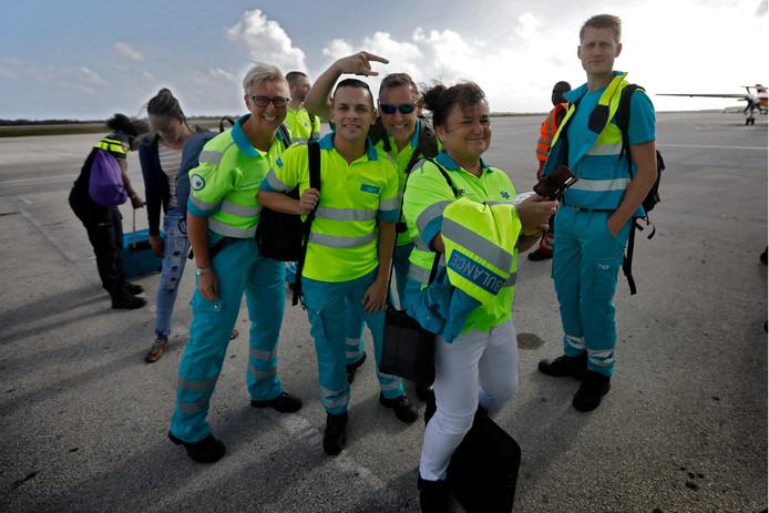 Lianne van Driel (vooraan) met het hulpteam in 2017.