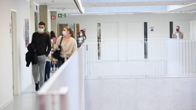 Voorlopig geen strengere mondmaskerplicht voor Limburgse studenten