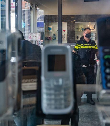 Keiharde klap voor drugsmaffia: criminelen kochten gekraakte telefoons van politie