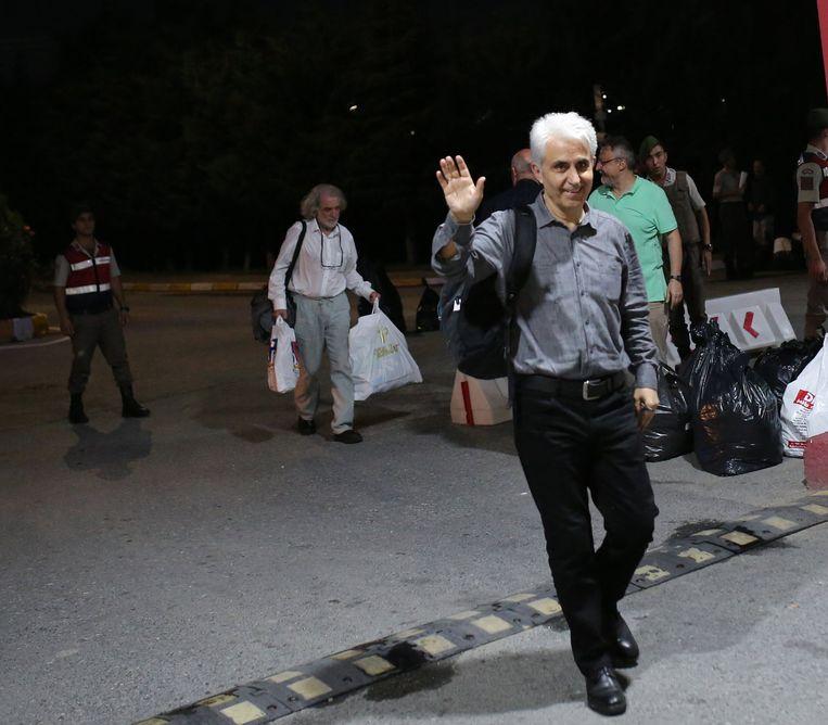 Musa Kart kreeg twaalf maanden cel omdat hij kritische en voor Erdogan weinig vleiende cartoons had gemaakt. Beeld EPA