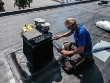 Dakdekkers nemen maatregelen: 'Op het dak kan het 80 graden worden'