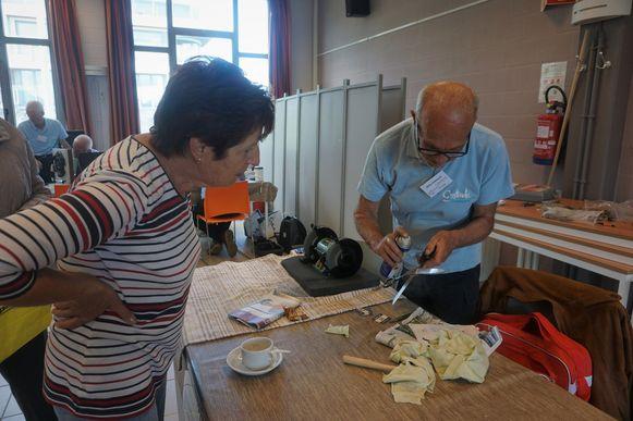 Je kunt in het repair café onder andere terecht om messen en scharen te laten slijpen.
