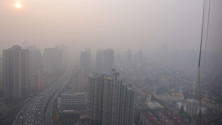 De luchtvervuiling in Shanghai piekte in december vorig jaar. Beeld BELGA
