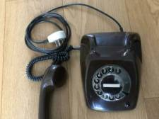 Weer even terug naar de jaren 80? Koop dan deze telefoon met draaischijf van mevrouw Schutter