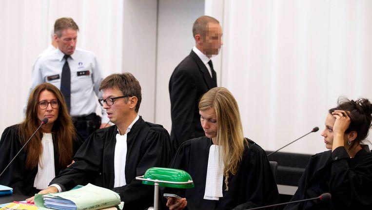 Marc Van Overschelde, de 47-jarige Gentenaar die beschuldigd wordt van moord op zijn 45-jarige vriendin Veerle Criel in 2013 en van moord op zijn 34-jarige vrouw Hanane Jouami in 2009.