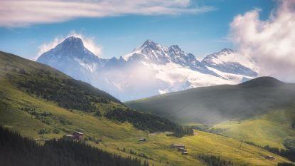De Alpen schuiven elk jaar een klein beetje op naar het noorden