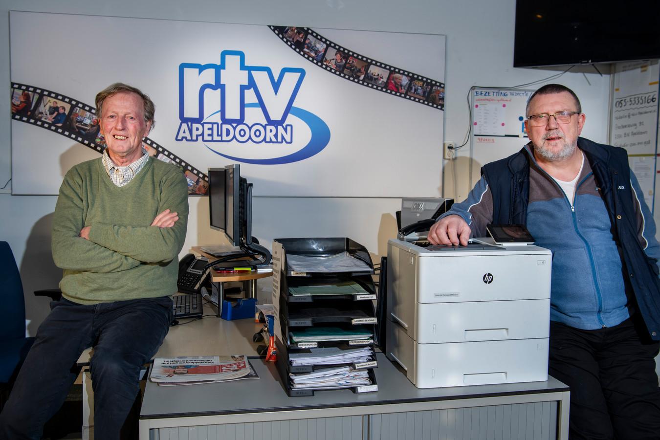 RTV Apeldoorn-voorzitter Arjan Speelman (links) en stationmanager Theo Witlox (rechts).