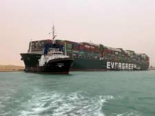 Un porte-conteneurs bloque le canal de Suez et provoque un gigantesque embouteillage