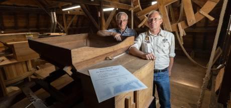 Certificaat voor honderdste watermolenaar. 'Molens vond men vroeger ook horizonvervuiling'