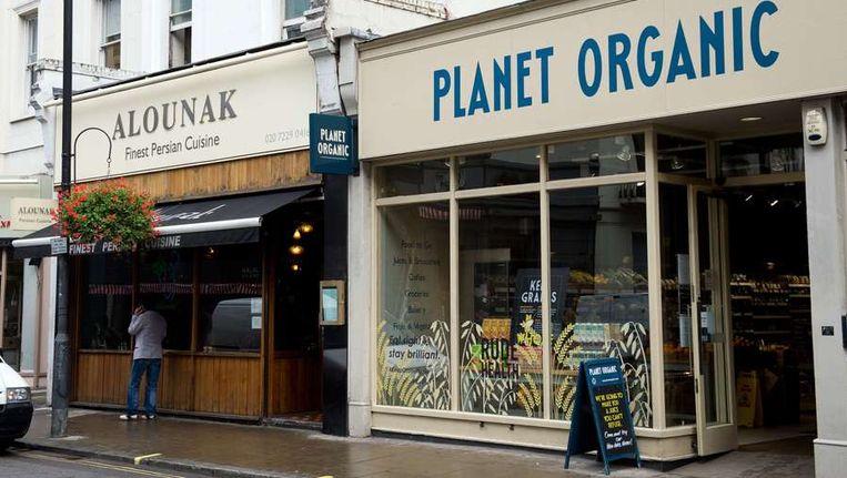 Een Perzisch restaurant in west-Londen, een van de plekken waar zondag een verdachte werd aangehouden. Beeld null